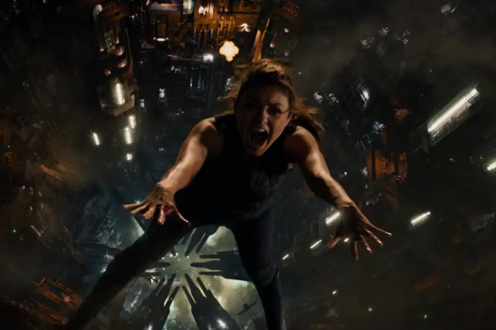 Jupiter-Ascending--Trailer--Official-Warner-Bros